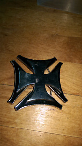 Iron cross spinning belt buckle
