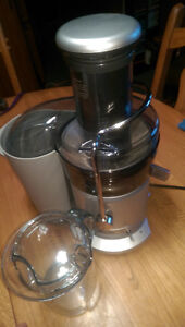 Extracteur a jus/Juicer Breville