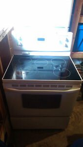 Electric glass top Kenmore stove