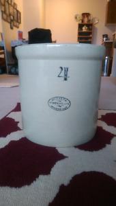 Antique 4  gallon Medalta Crock