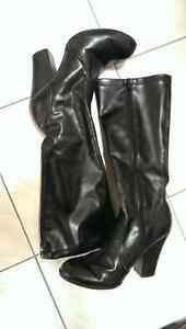 Black stacked heel womens boots - size 7 Windsor Region Ontario image 1