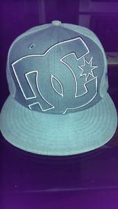 Men's 7 - 1/8 New Era skate hat without sticker