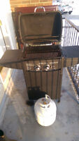 Bbq barely used including Full propane tank