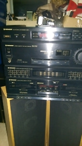 FOR SALE VINTAGE PIONEER STEREO SYSTEM/SPEAKERS COMPLETE