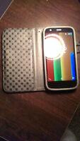 Unlocked 8GB Moto G w/ Wallet Case