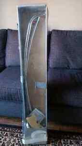 Curve shower rod