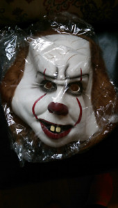 """Pennywise """"IT"""" mask"""