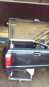 2002 Ford ranger box step side.with  tunnel cover