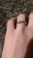Classic white gold 3 diamonds+ engagement ring size 6