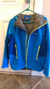 Patagonia Softshell Jacket - Mens Medium