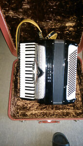 120 Bass Bellini Accordion for sale. Peterborough Peterborough Area image 1