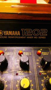 Yamaha 12 channel mixer board
