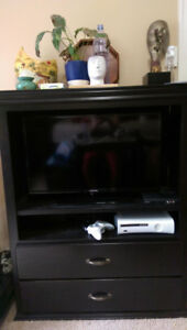 TV Stand w/Drawers