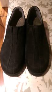 NEW-Mephisto shoes, size 10