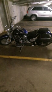 """PRICE REDUCE "" YAMAHA VSTAR 650 CLASSIC MINT CONDITION"