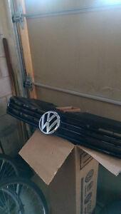 2014 Volkswagen Jetta Grill! BRAND NEW! COMES WITH BOX!