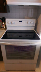 Électroménagers à vendre (four/réfrigérateur/laveuse/sécheuse)