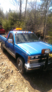 1989 Chevy 1/2 With Plow (Not running)