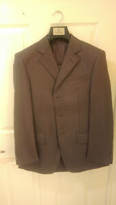 (New) Valentino Emperor Men's Suit with Armani bag (44/29)