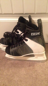 Size 8/9 Hockey Skates