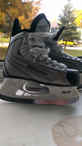 Youth size 12 Bauer skates