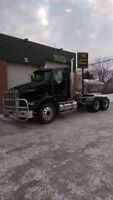 2007 KENWORTH T800, 18SPD 3 PEDAL AUTOSHIFT