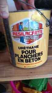 Peinture pour plancher jamais utilise / Floor paint, never open
