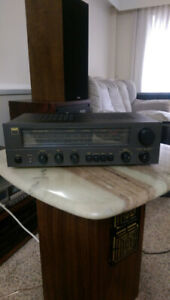 NAD 7020 Stereo Receiver