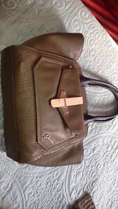Large Guess Tote and Coach Wallet Kitchener / Waterloo Kitchener Area image 1