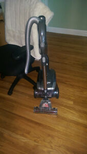 Royal Brand Vacuum (MINT CONDITION!)