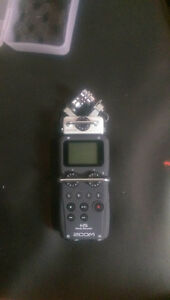 ZOOM H5 MICROPHONE **200**