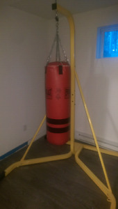 Punching bag avec support