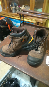 Size 9 timberland men's work boots great shape!
