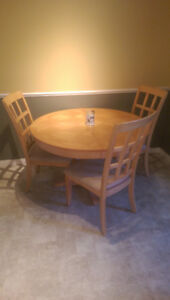 Dining table + 4 chair set