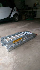 2 motorcycle ramps
