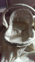 Soft Beige Baby Basinet