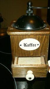 Vintage coffee grinder (Kaffee)