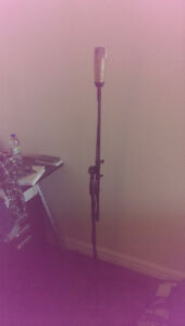 Behringer C-1 Microphone and Stand