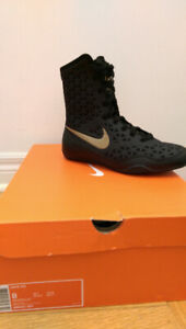 NWT Nike K.O. Mid Boxing Boot - Black/Gold Size 8