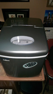 FOR SALE LIKE NEW SALTON PORTABLE ICE MAKER