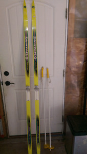 X-country skis