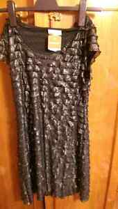 New superb elastic dress from Europe! Size 12-14 London Ontario image 1