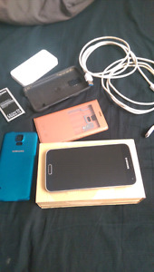 Samsung Galaxy S5 with lots of extras