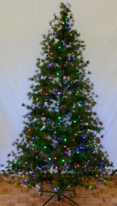 7.5 ft. Pre lit SEDONA PINE Christmas Tree BRAND NEW