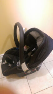 Infant travel system - great condition!