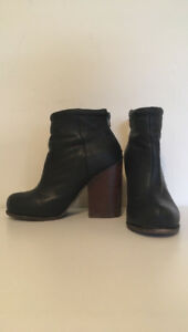 Jeffrey Campbell Booties - Sz 7