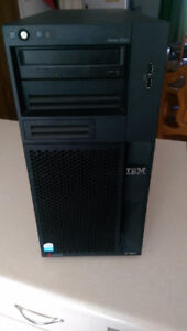 Serveur IBM xSeries 206m