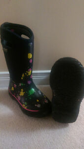 Girls Winter Bogg boots, size 1.