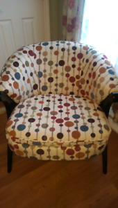 Accent Chairs w Matching Pillow