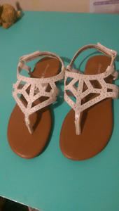 Youth sandals
